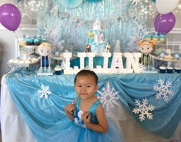 Lilians Frozen Themed 3rd Birthday Party minilicious by wendy lam