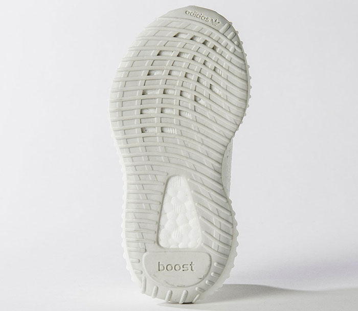 new products 0acc4 bc165 Yeezy 350 V2  Cream White  Online Raffle Notre